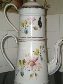 ANCIENNE CAFETIERE EMAILLEE DE 1920